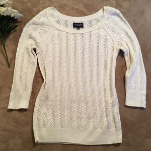 American Eagle White Sweater 3/4 Sleeves Size L